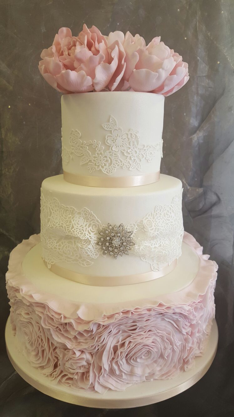 wedding cake pink and white