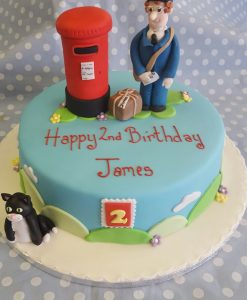 postman-pat-cake