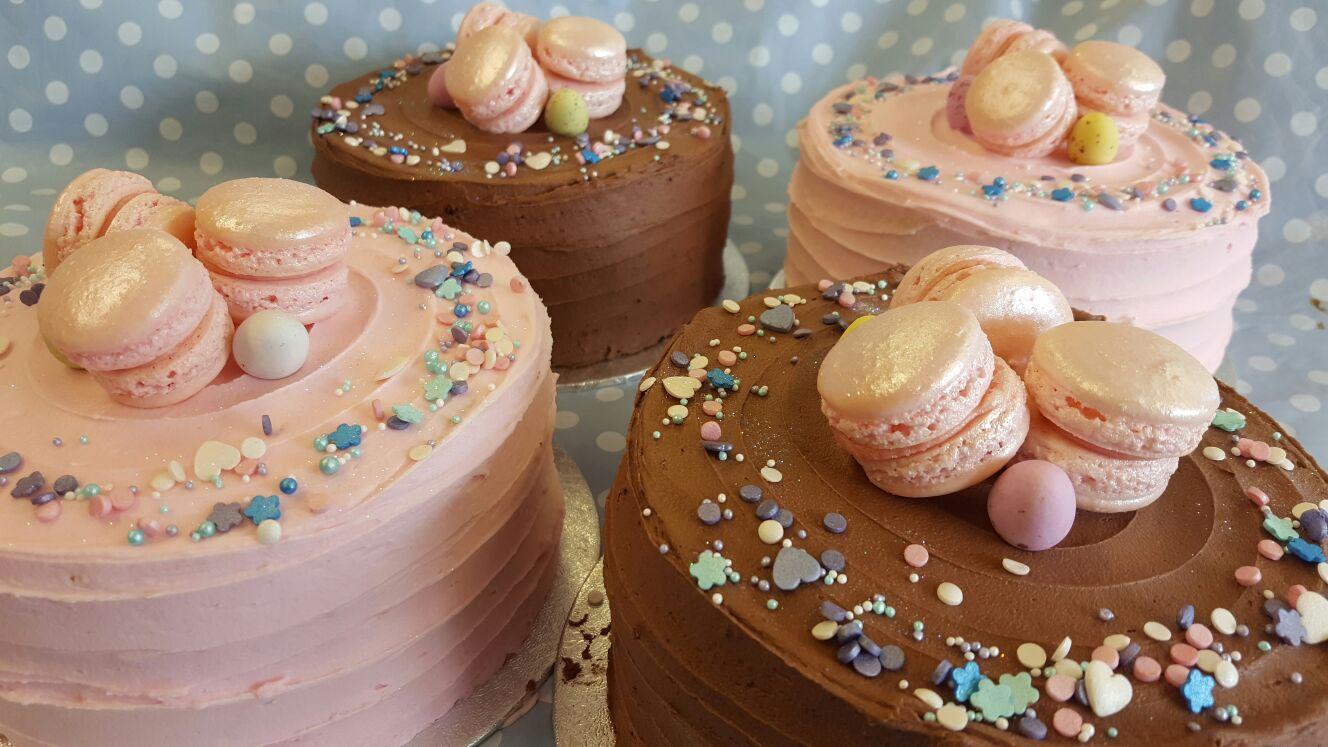 Macroon cake
