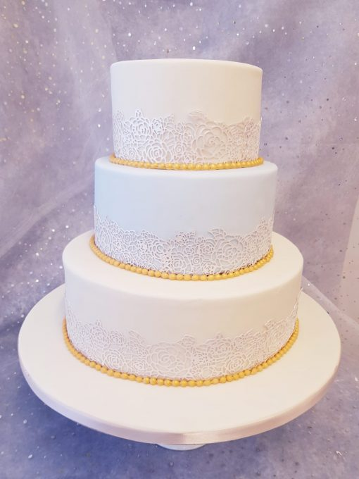 3 tier lace wwedding cake