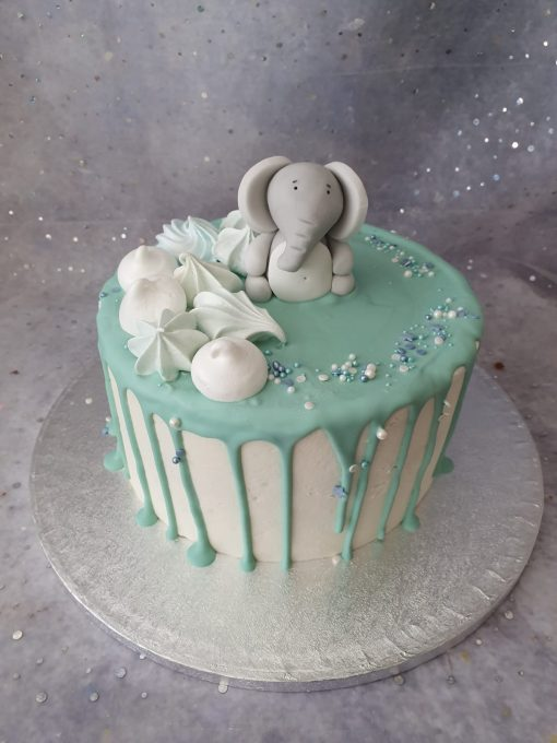 elephant drip cake