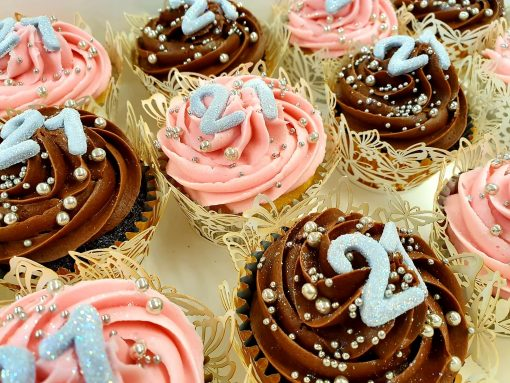 21 buttericed cupcakes